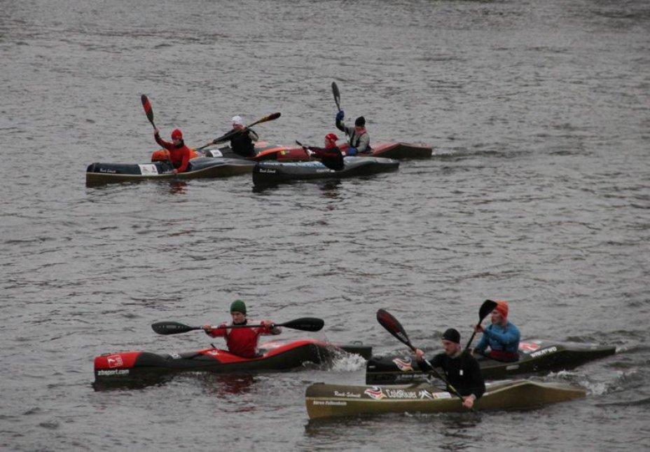 Kanu-Wildwassernationalmannschaft auf der Duisburger Regattabahn