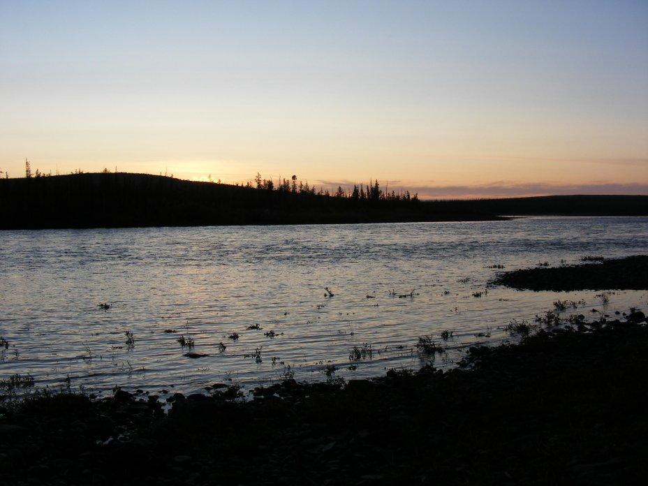 Mitternachtssonne in Sibirien, Fluß Markoka